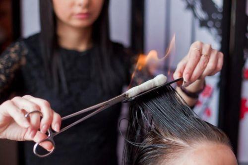 Процедура лечения и выпрямления волос
