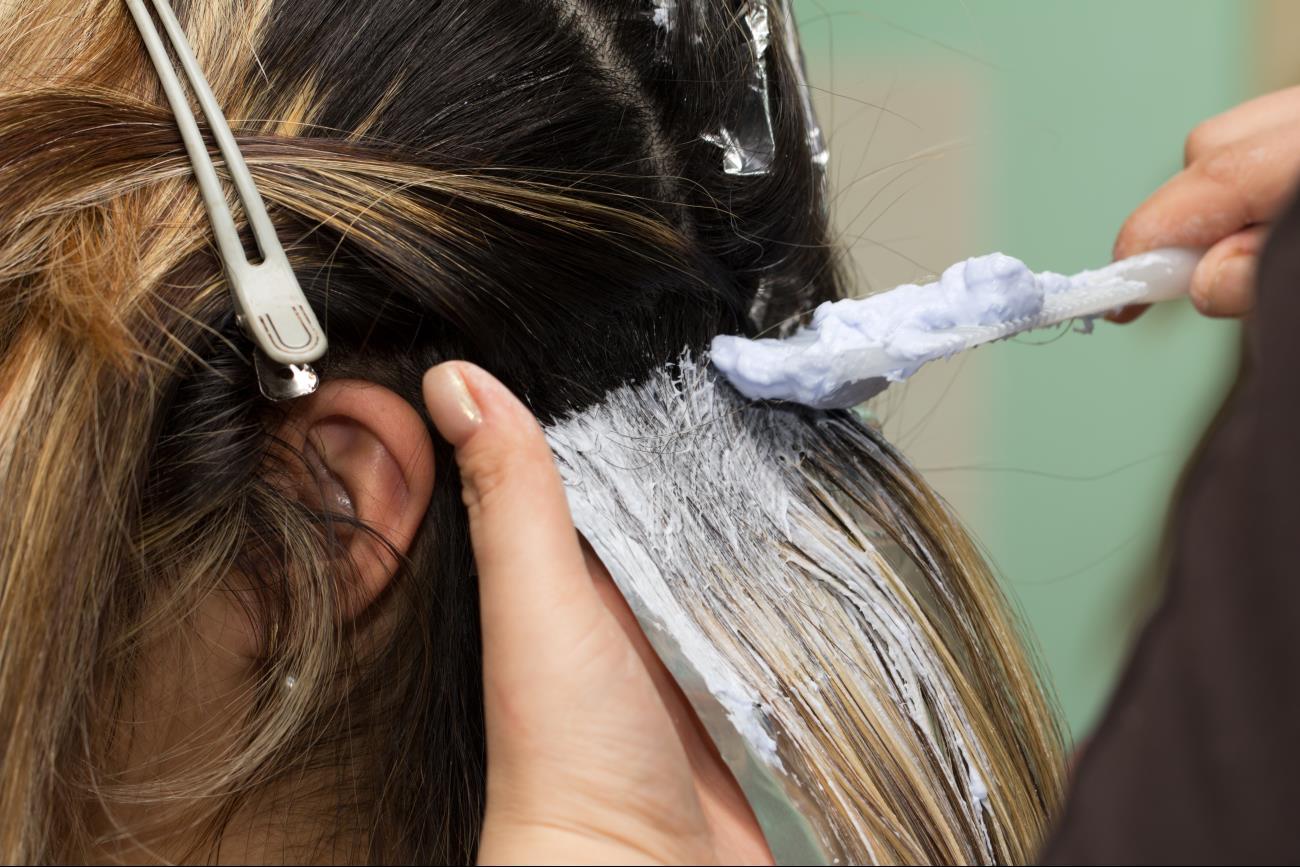 Через сколько можно перекрасить волосы