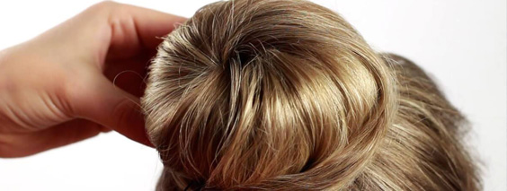 пучек из волос и бублика