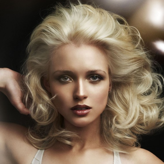 Как правильно делать начес на средние волосы
